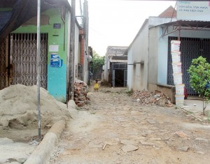 Mất tình làng nghĩa xóm vì lối đi chung