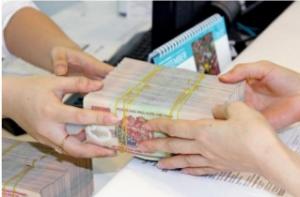 Tư vấn hoàn thiện hồ sơ công nợ là một trong những nội dung công việc nằm trong Hợp đồng dịch vụ tư vấn thu nợ khi Quý khách ký với Công ty luật Trí Hùng.